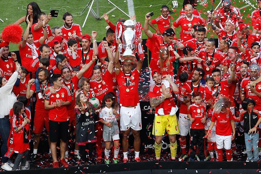 Benfica fagnar meistaratitli, mynd tekin af heimasíðu félagsins á http://www.slbenfica.pt/